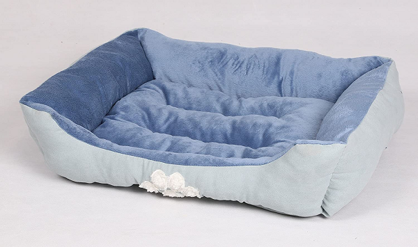 Comfortable bed for small dogs