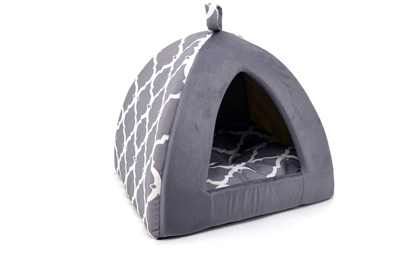 Bed in the shape of a doghouse for small dogs and puppies