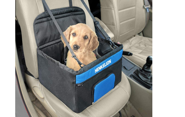Carrying bag for dogs in a car