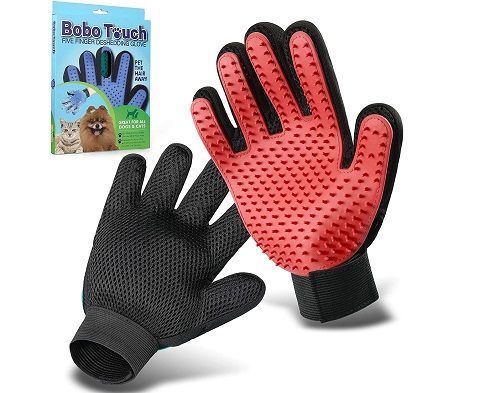 Hair catcher glove for dogs