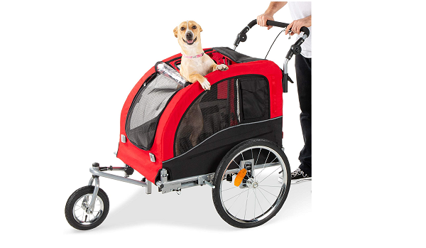 Dog trailer with many reflectors